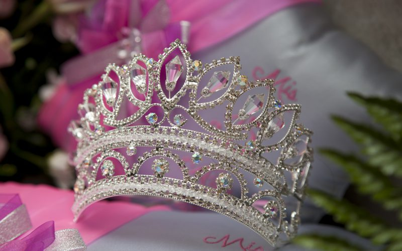 crown-for-quincanera-celebrant