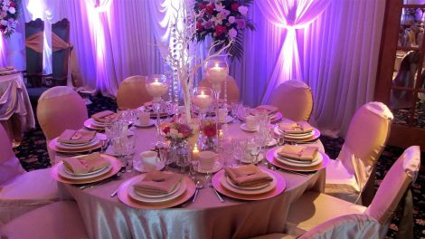 Chicago-banquet-hall-table-and-chairs-set-up